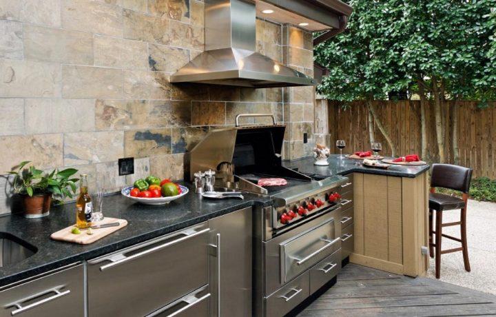 Outdoor Kitchen Design: 5 Important Factors to Consider