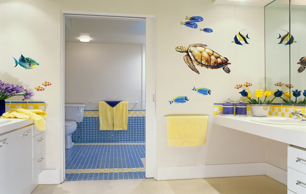 decorate childrens bathrooms