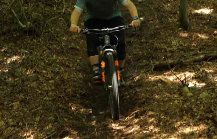 A Basic Way to Ride Steep Chutes on Mountain Bike